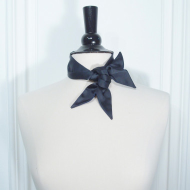 The Neck Ribbon